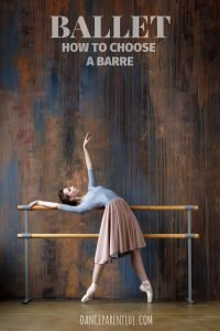 Must read article if you are buying a ballet barre for your home. Great explanations about materials, height and portable and fixed barres. #dance #ballet #barre #buyersguide